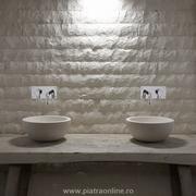 piatra decorativa pentru baie